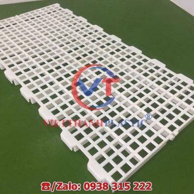 Sàn nhựa chăn nuôi dê - bò - gà - vịt 50 x 100 cm lỗ vuông