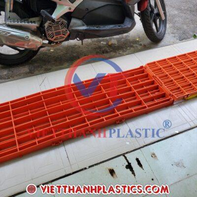Sàn Nhựa Chăn Nuôi 40×120 cm